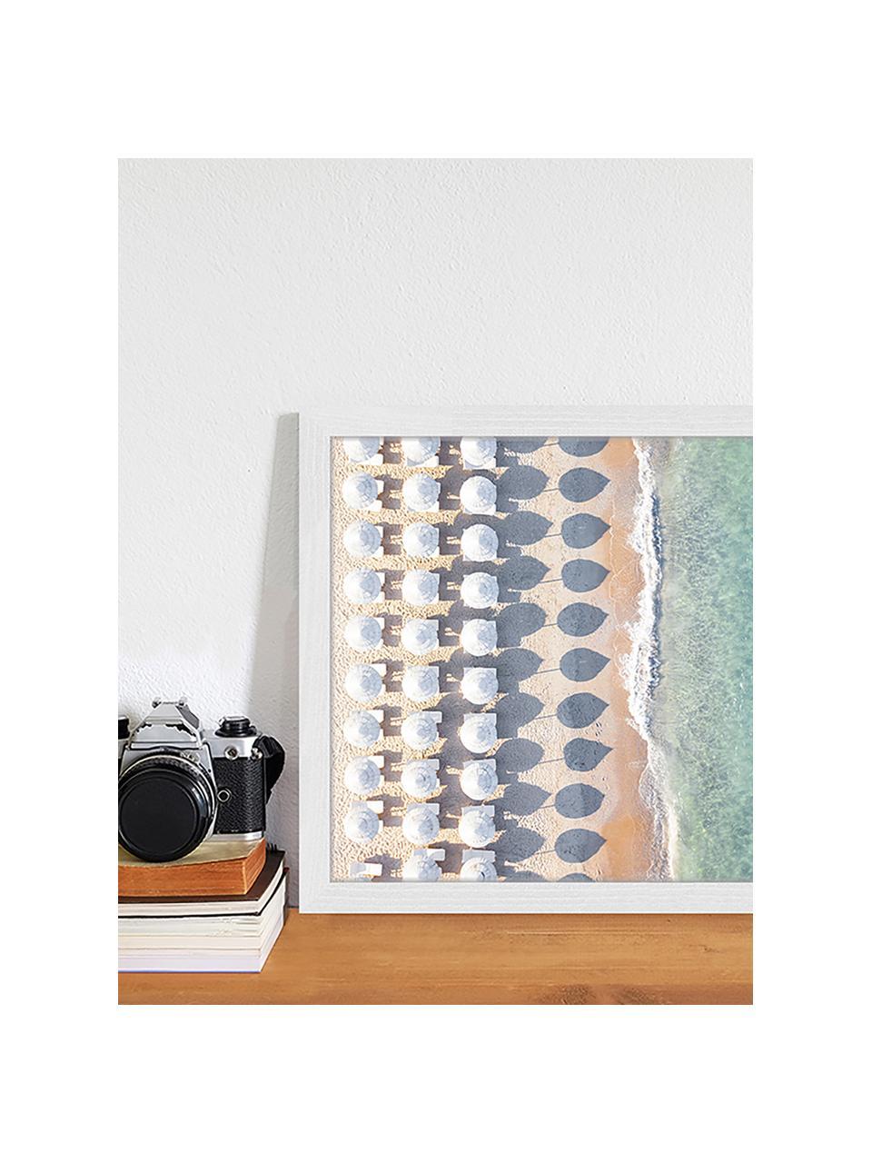 Stampa digitale incorniciata Aerial View With Umbrellas, Immagine: stampa digitale su carta,, Cornice: legno verniciato, Multicolore, Larg. 43 x Alt. 33 cm
