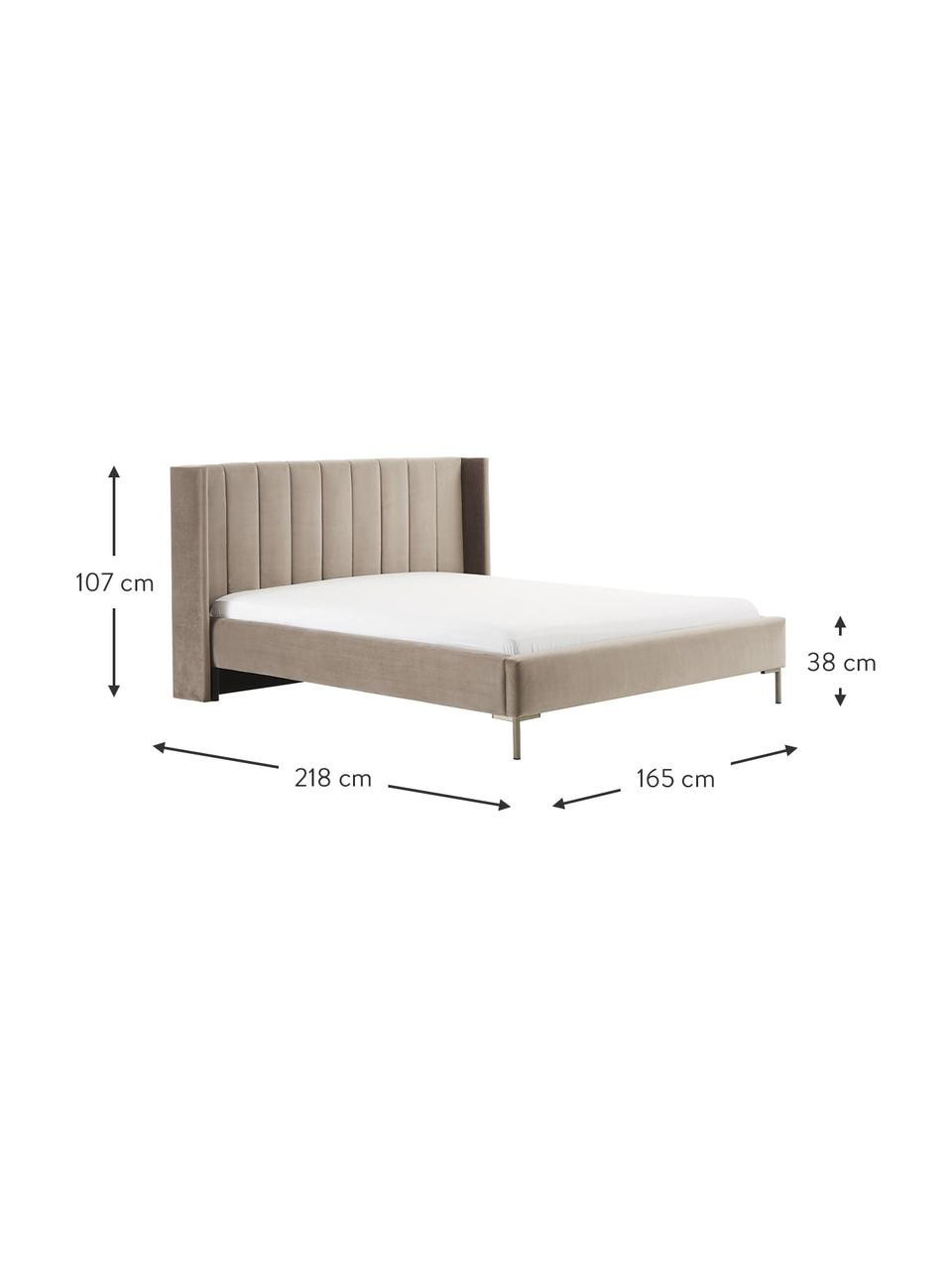 Gestoffeerd fluwelen bed Dusk in bruin, Bekleding: polyester fluweel, Frame: massief grenenhout en pla, Poten: gepoedercoat metaal, Fluweel bruin, 200 x 200 cm