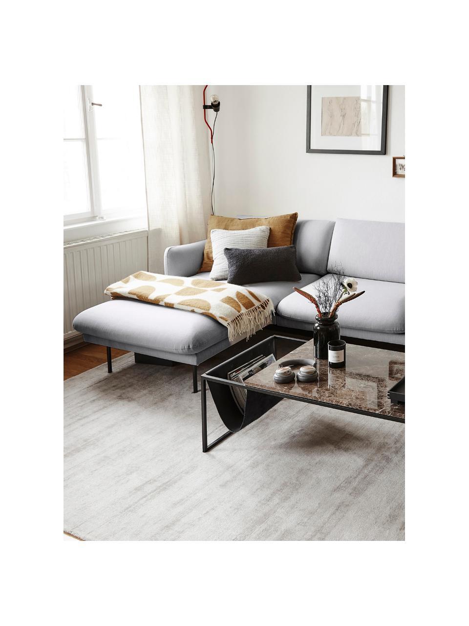 Hoekbank Moby in lichtgrijs met metalen poten, Bekleding: polyester, Frame: massief grenenhout, Poten: gepoedercoat metaal, Lichtgrijs, B 280 x D 160 cm
