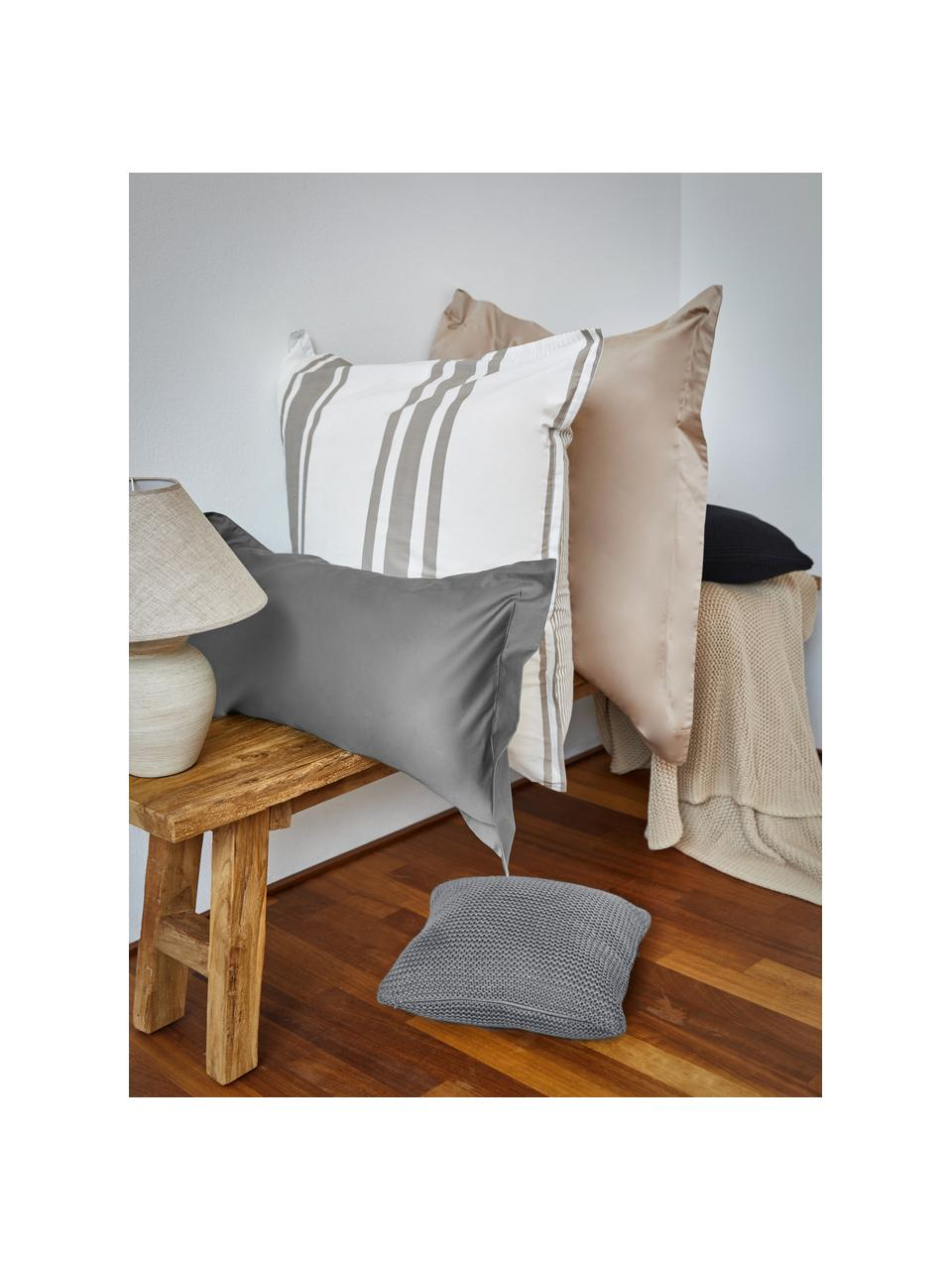 Federa arredo a maglia in cotone biologico grigio chiaro Adalyn, 100% cotone biologico, certificato GOTS, Grigio chiaro, Larg. 60 x Lung. 60 cm