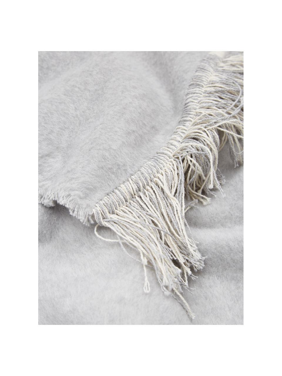 Baumwoll-Kuscheldecke Vienna in Grau mit Fransen, 85% Baumwolle, 8% Viskose, 7% Polyacryl, Grau, 150 x 200 cm