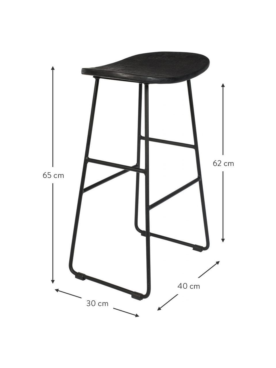 Barkruk Tangle in zwart, Zitvlak: gerecycled en gelakt teak, Poten: gepoedercoat metaal, Zwart, 40 x 65 cm