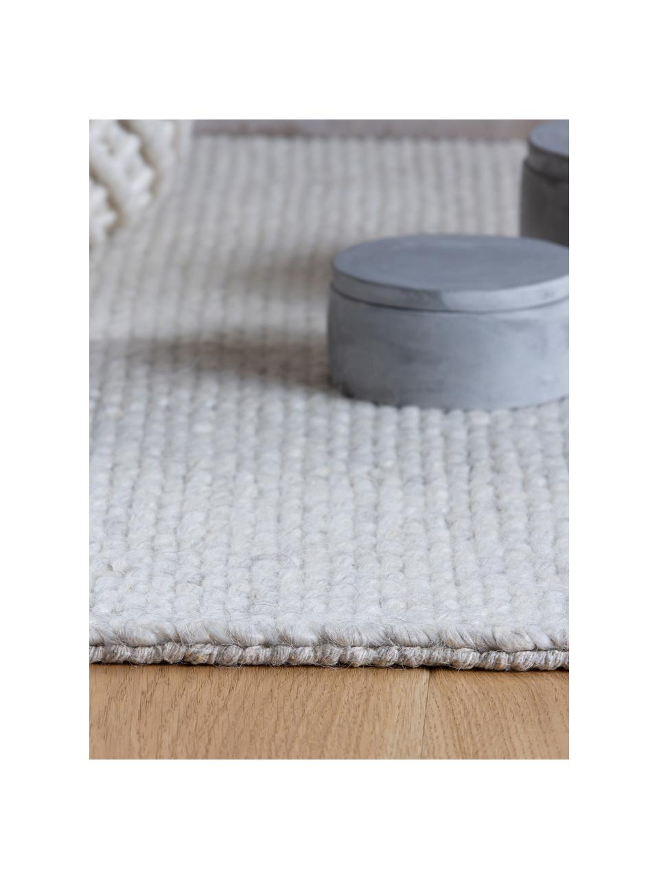 Handgeweven wollen vloerkleed Alvin in crèmekleur met franjes, Bovenzijde: 60% wol, 40% viscose, Onderzijde: katoen, Crèmekleurig, B 80 x L 150 cm (maat XS)