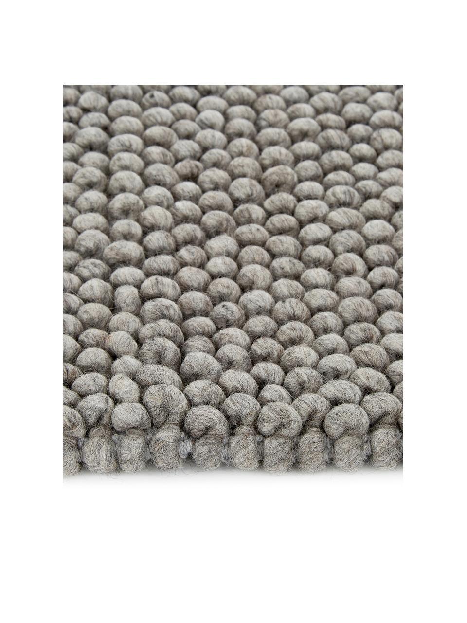 Handgenähter Wollteppich Lovisa in Hellgrau meliert, Flor: 60% Wolle, 40% Viskose, Silbergrau, B 160 x L 230 cm (Größe M)