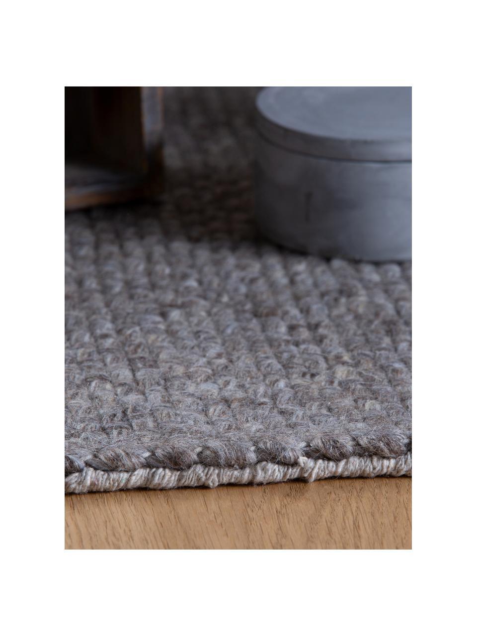 Handgeweven wollen vloerkleed Alvin in gevlekt grijs met franjes, Bovenzijde: 60% wol, 40% viscose, Onderzijde: katoen, Taupe, gevlekt, B 80 x L 150 cm (maat XS)