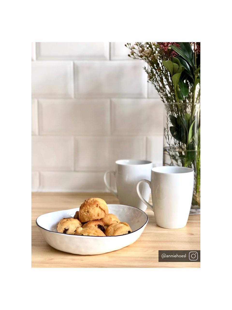 Handgemachte Schalen Salt Ø 20 cm mit schwarzem Rand, 2 Stück, Porzellan, Gebrochenes Weiß, Schwarz, 20 x 4 cm