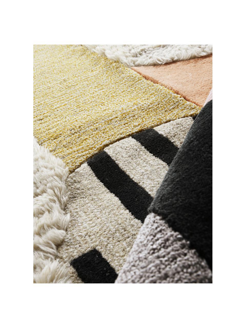 Ręcznie tuftowany dywan z wełny z wysokim stosem Boho, 74 % wełna, 24 % wiskoza Włókna dywanów wełnianych mogą nieznacznie rozluźniać się w pierwszych tygodniach użytkowania, co ustępuje po pewnym czasie, Wielobarwny, S 160 x D 230 cm (Rozmiar M)