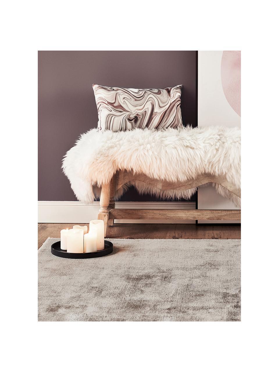 Ručne tkaný koberec z viskózy Jane, Sivobéžová