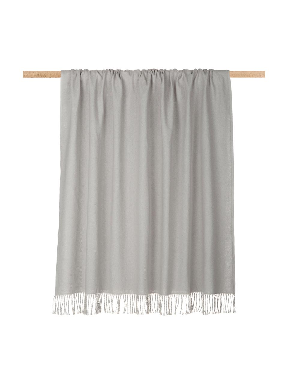 Plaid grigio chiaro con frange Madison, 100% cotone, Grigio chiaro, Larg. 140 x Lung. 170 cm
