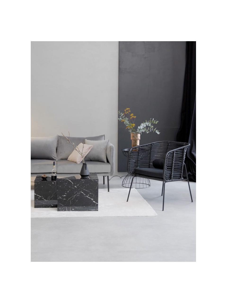 Krzesło z rattanu z podłokietnikami Merete, Siedzisko: czarnyStelaż: czarny, matowyPoszewki: czarny, S 72 x G 74 cm