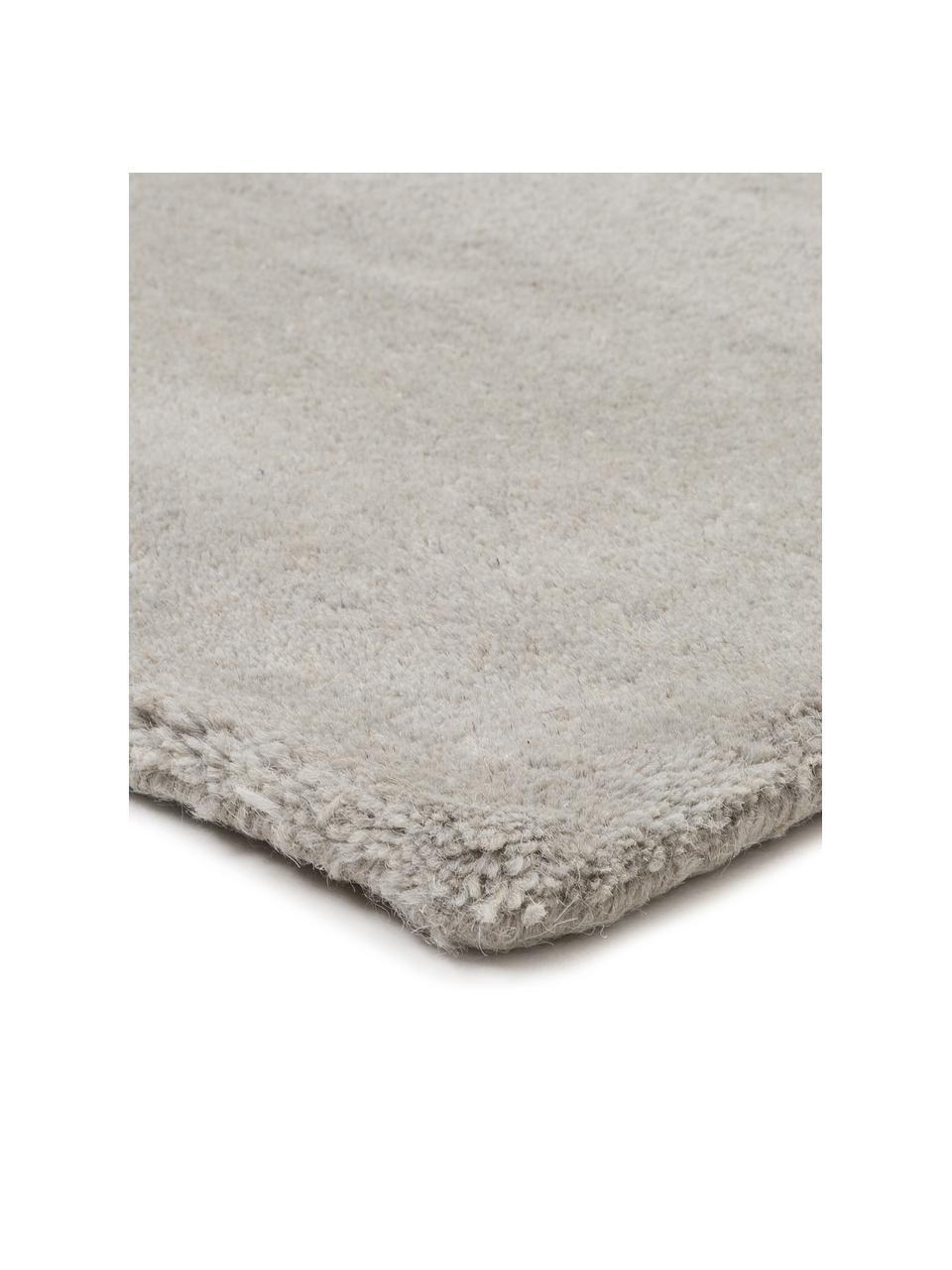 Designteppich Ometri aus Wolle, handgetuftet, 100% Wolle  Bei Wollteppichen können sich in den ersten Wochen der Nutzung Fasern lösen, dies reduziert sich durch den täglichen Gebrauch und die Flusenbildung geht zurück., Mehrfarbig, B 140 x L 200 cm (Größe S)