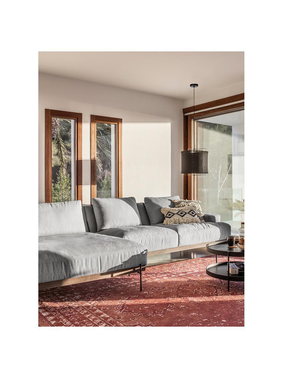 Hoekbank Brooks in grijs met metalen poten, Bekleding: polyester, Frame: gelakt grenenhout, Poten: gepoedercoat metaal, Grijs, B 315 x D 148 cm