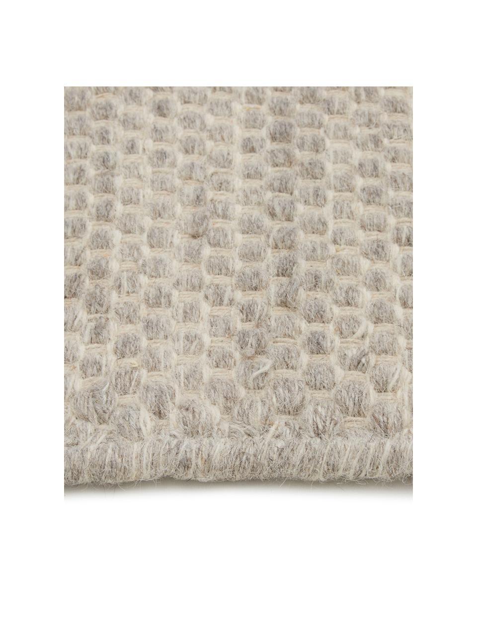 Handgewebter Kelimteppich Delight aus Wolle in Hellgrau, 90%Wolle, 10%Baumwolle  Bei Wollteppichen können sich in den ersten Wochen der Nutzung Fasern lösen, dies reduziert sich durch den täglichen Gebrauch und die Flusenbildung geht zurück., Hellgrau, B 200 x L 300 cm (Größe L)