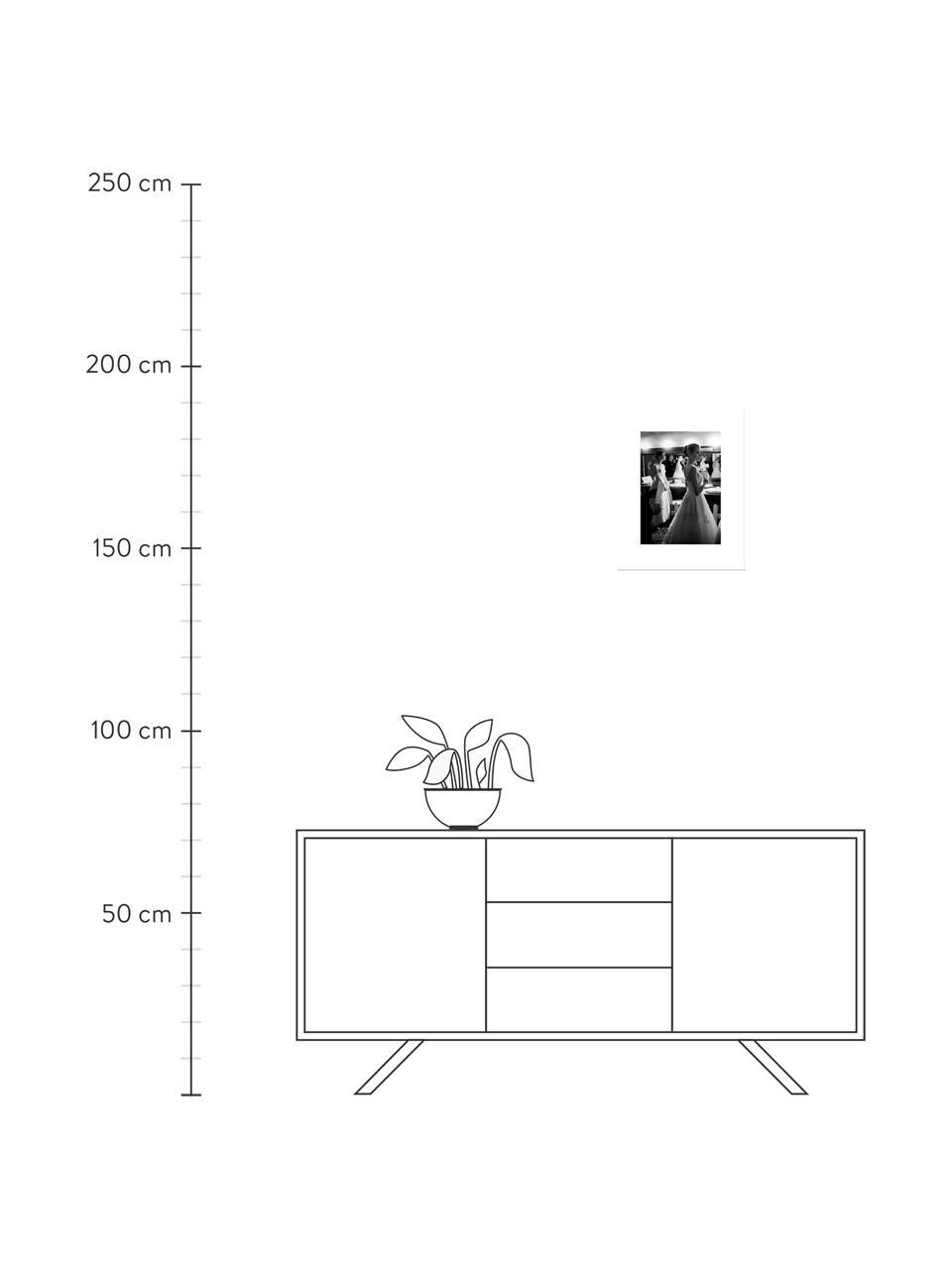 Stampa digitale incorniciata Grace Kelly & Audrey Hepburn, Immagine: stampa digitale su carta, Cornice: materiale sintetico (PU), Retro: pannelli di fibre a media, Immagine: nero, bianco cornice: nero, Larg. 35 x Alt. 45 cm