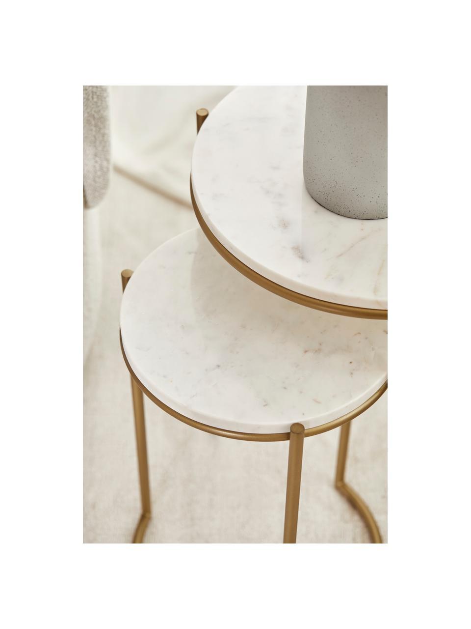 Marmeren bijzettafelset Ella, 2-delig, Frame: gepoedercoat metaal, Tafelbladen: wit marmer. Frame: mat goudkleurig, Set met verschillende formaten