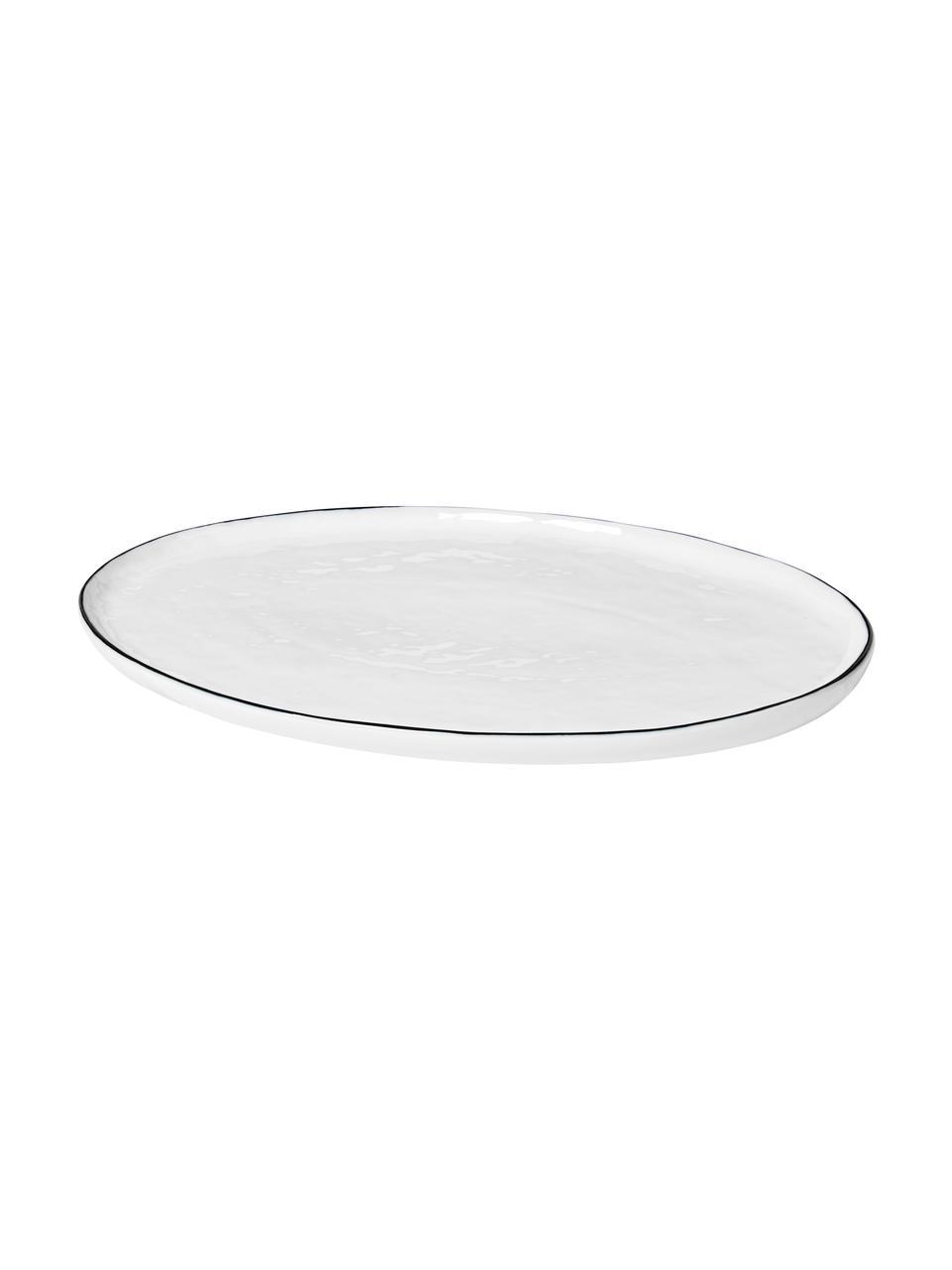 Handgemachte Servierplatte Salt mit schwarzem Rand, L 30 x B 20 cm, Porzellan, Gebrochenes Weiß, Schwarz, 20 x 30 cm