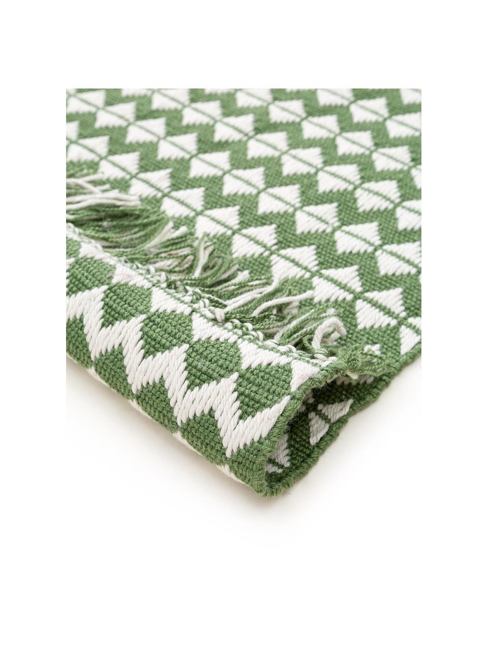 In- & Outdoor-Teppich Morty mit Ethnomuster und Fransen, 100% Polyester (recyceltes PET), Grün, gebrochenes Weiß, B 80 x L 150 cm (Größe XS)