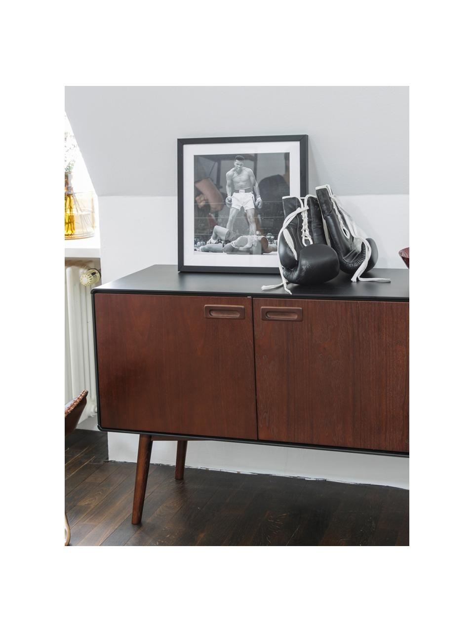 Retro dressoir Juju met deuren en walnootfineer, Poten: gebeitst massief essenhou, Bruin, zwart, 150 x 73 cm