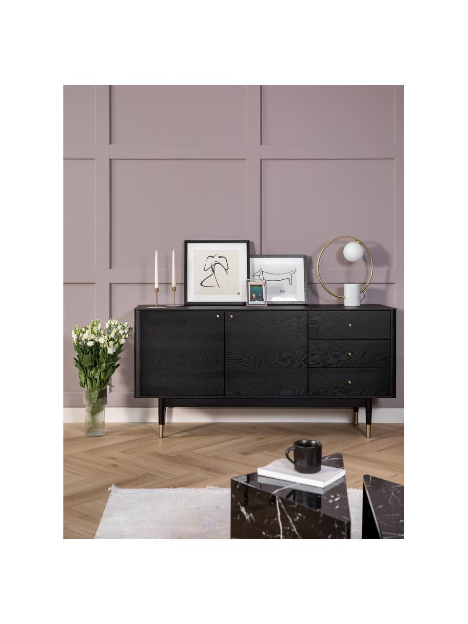 Zwart dressoir Fenwood met lades met eikenhoutfineer, Frame: gebeitst en gelakt MDF me, Poten: massief gelakt eikenhout , Zwart, messingkleurig, 160 x 79 cm