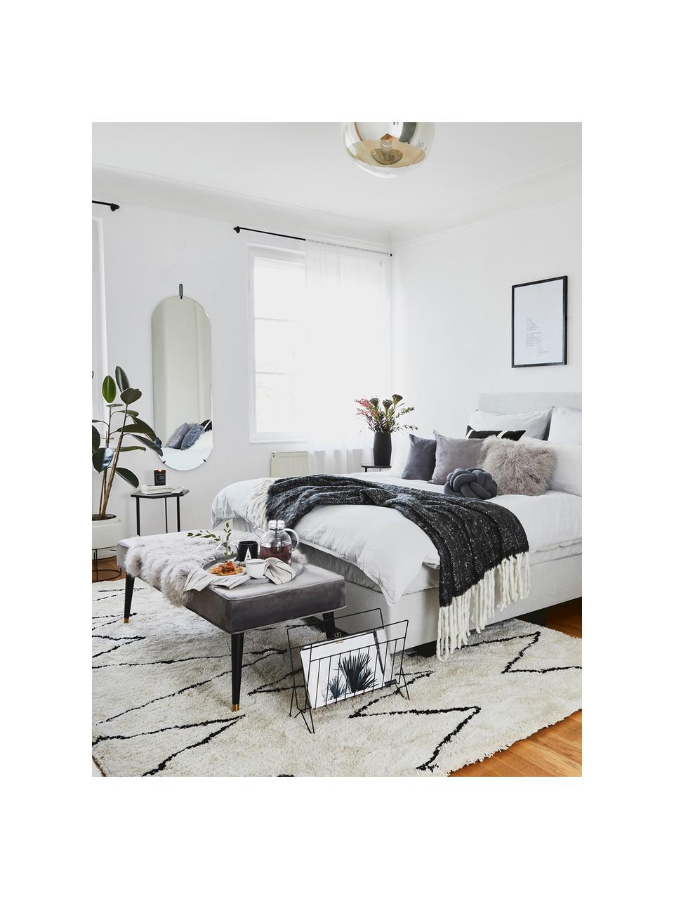 Samt-Sitzbank Beverly, Bezug: Samt (Polyester) 50.000 S, Gestell: Eukalyptusholz, Beine: Metall, pulverbeschichtet, Grau, 140 x 46 cm