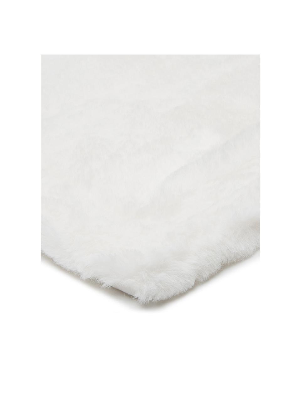 Kuscheldecke Mette aus Kunstfell in Creme, Vorderseite: 100% Polyester, Rückseite: 100% Polyester, Creme, 150 x 200 cm