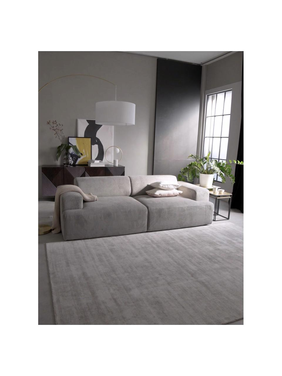 Ribfluwelen bank Melva (3-zits) in grijs, Bekleding: corduroy (92% polyester, , Frame: massief grenenhout, FSC-g, Poten: kunststof, Corduroy grijs, 238 x 101 cm
