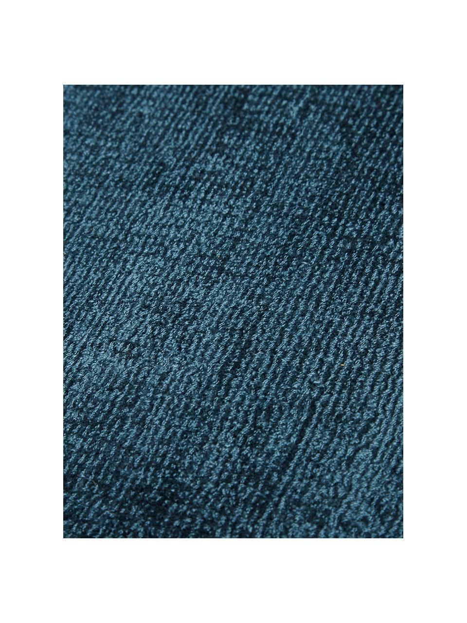 Handgeweven viscose vloerkleed Jane in donkerblauw, Bovenzijde: 100% viscose, Onderzijde: 100% katoen, Donkerblauw, B 160 x L 230 cm (maat M)