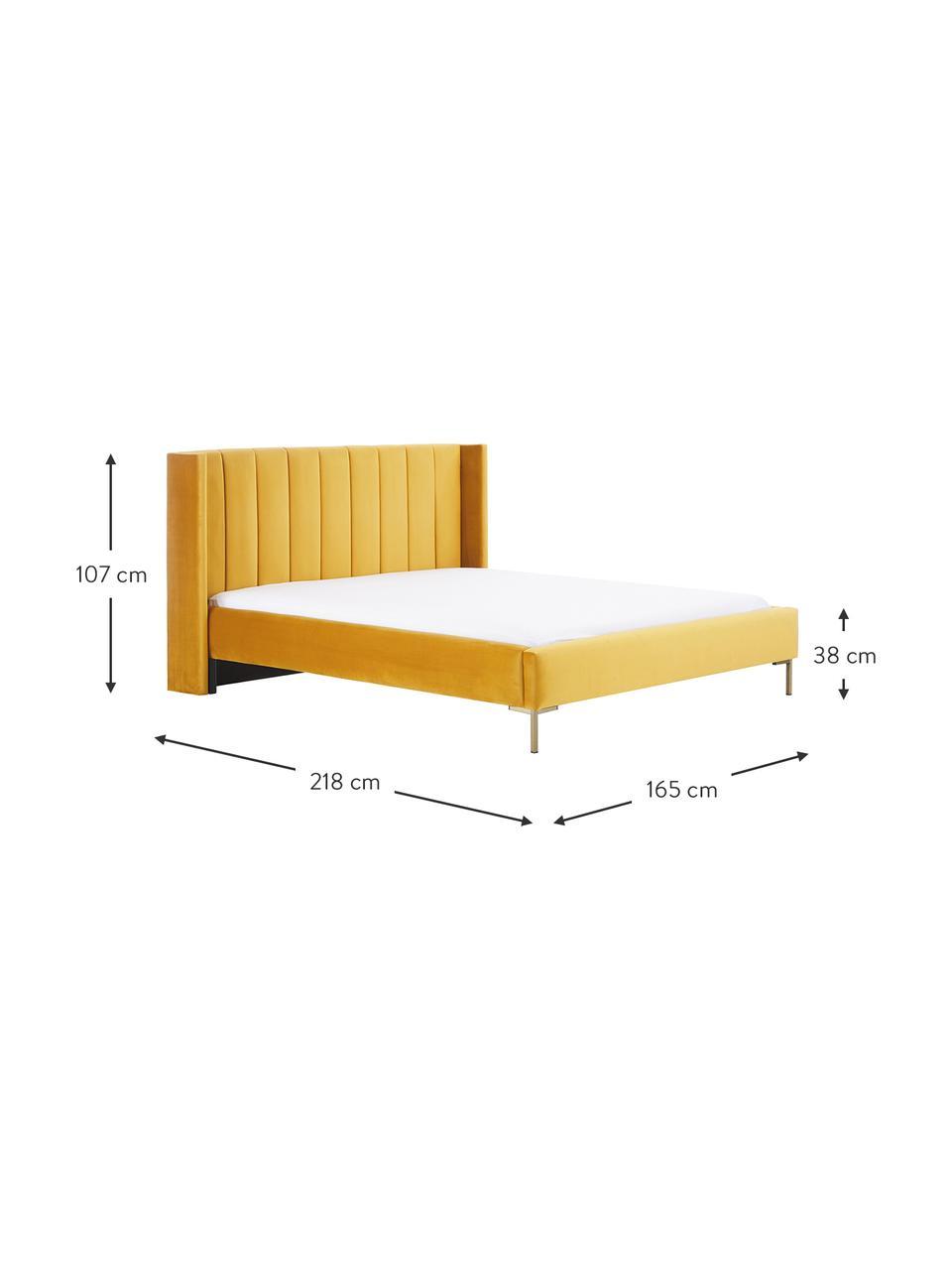 Samt-Polsterbett Dusk in Gelb, Korpus: Massives Kiefernholz und , Bezug: Polyestersamt, 320 g/m² D, Füße: Metall, pulverbeschichtet, Samt Gelb, 200 x 200 cm