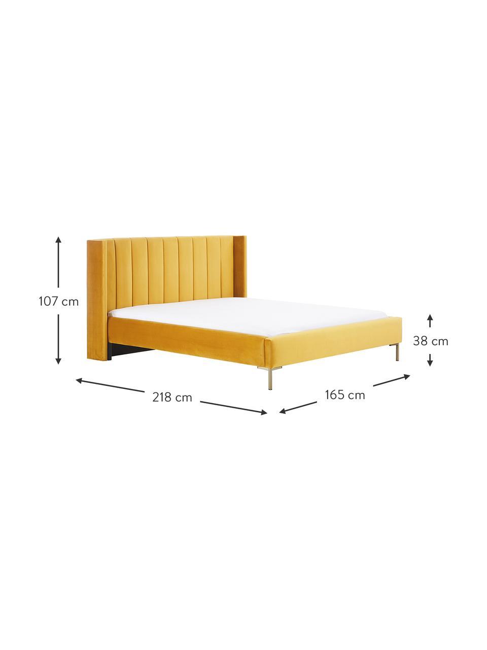 Łóżko tapicerowane z aksamitu Dusk, Tapicerka: aksamit poliestrowy Dzięk, Korpus: lite drewno sosnowe i pły, Nogi: metal malowany proszkowo, Aksamitny żółty, S 200 x D 200 cm