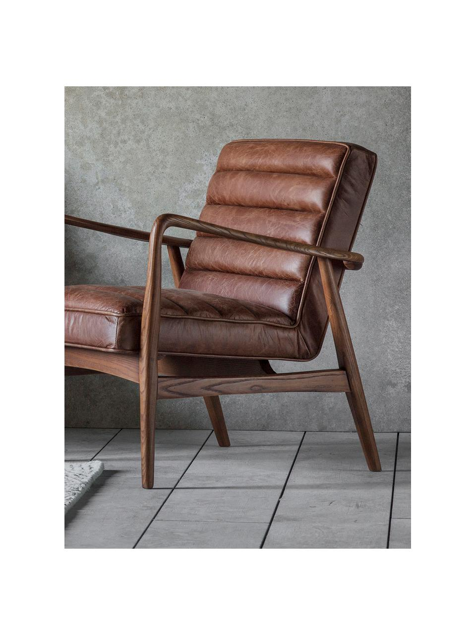 Leder-Loungesessel Datsun, Bezug: Genarbtes Leder, Gestell: Eschenholz, Leder Braun, B 70 x T 74 cm