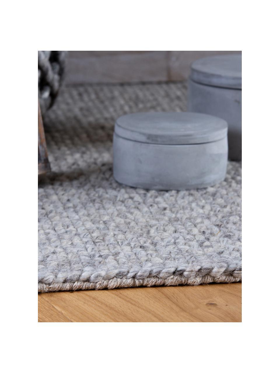 Handgewebter Wollteppich Alvin in Hellgrau meliert mit Fransenabschluss, Flor: 60% Wolle, 40% Viskose, Grau, meliert, B 80 x L 150 cm (Größe XS)