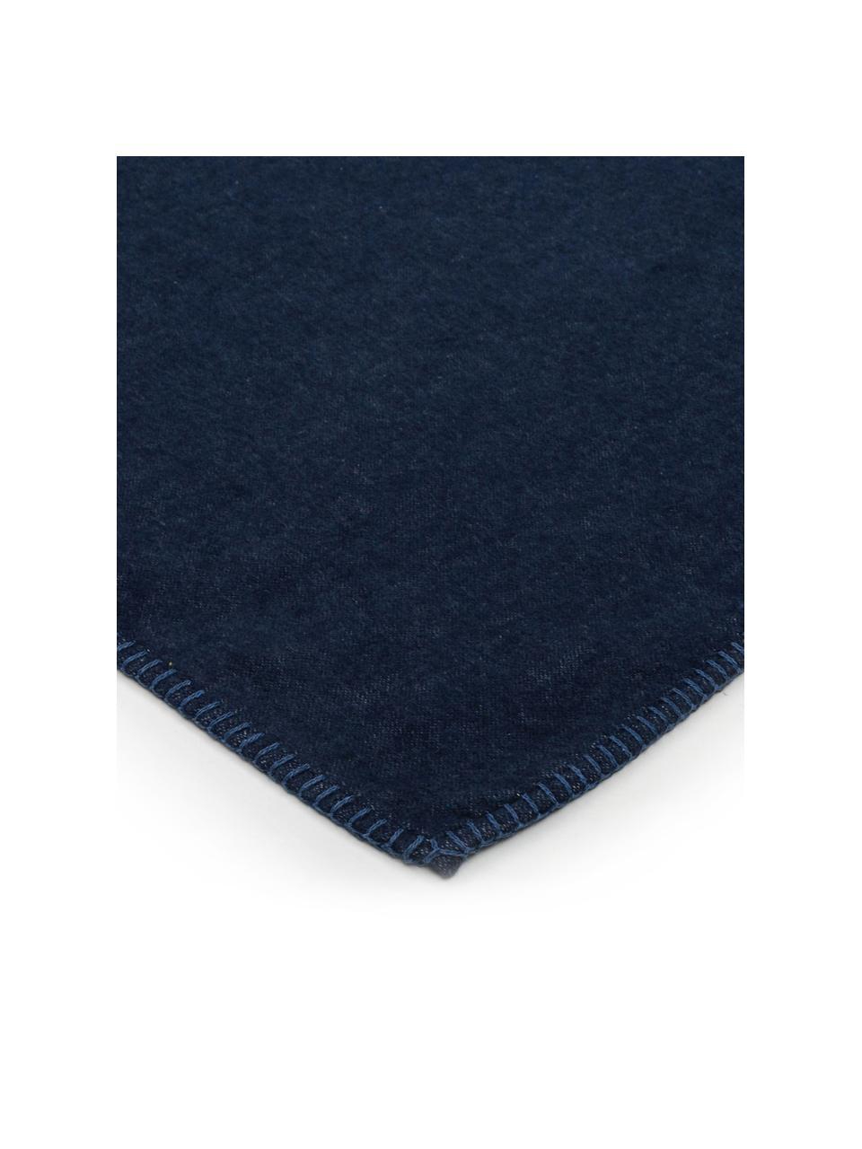 Kuscheldecke Sylt in Marineblau mit Steppnaht, Webart: Jacquard, Marineblau, 140 x 200 cm