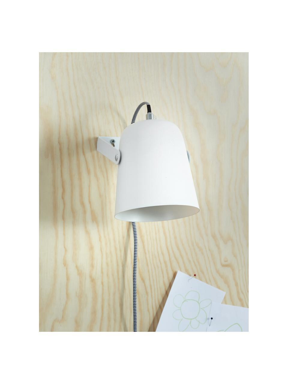 Wandleuchte Iluminar mit Stecker in Weiß, Lampenschirm: Metall, lackiert, Weiß, 14 x 18 cm