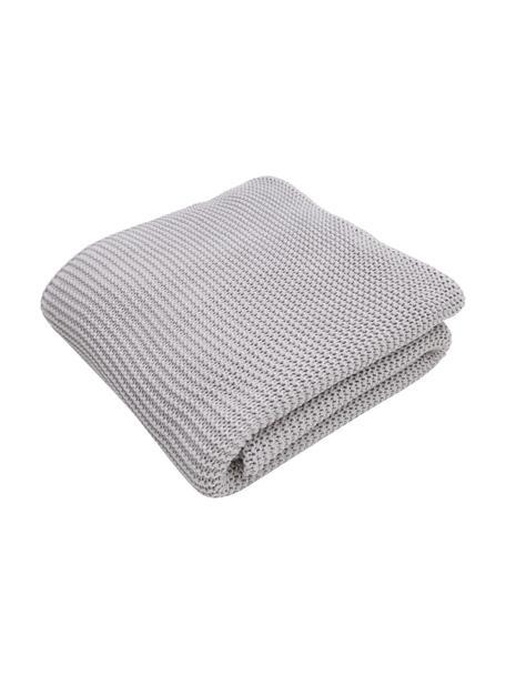 Coperta a maglia in cotone biologico grigio chiaro Adalyn, 100% cotone biologico, certificato GOTS, Grigio, Larg. 150 x Lung. 200 cm