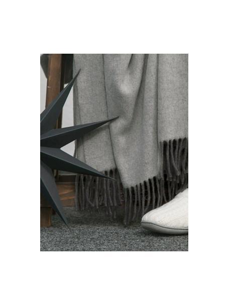 Plaid in cashmere grigio/grigio chiaro Liliana, 80% lana, 20% cashmere, Grigio, Larg. 130 x Lung. 170 cm