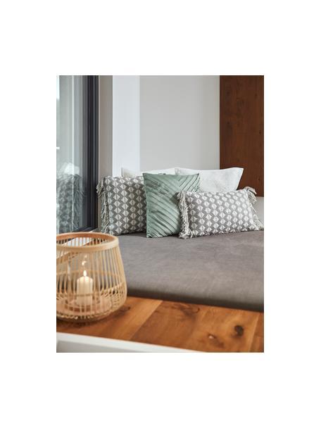 Poszewka na poduszkę z aksamitu Lucie, 100% aksamit (poliester) Należy pamiętać, że aksamit może wydawać się jaśniejszy lub ciemniejszy w zależności od kata padania światła, Szałwiowy zielony, S 45 x D 45 cm