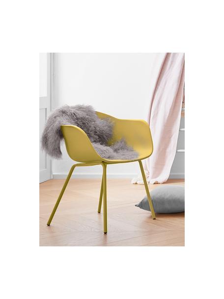 Sedia con braccioli con gambe in metallo Claire, Seduta: materiale sintetico, Gambe: metallo verniciato a polv, Giallo, Larg. 60 x Prof. 54 cm