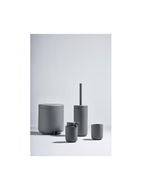 Tazza per lo spazzolino Omega, Terracotta rivestita con superficie soft-touch (materiale sintetico), Grigio opaco, Ø 8 x Alt. 10 cm