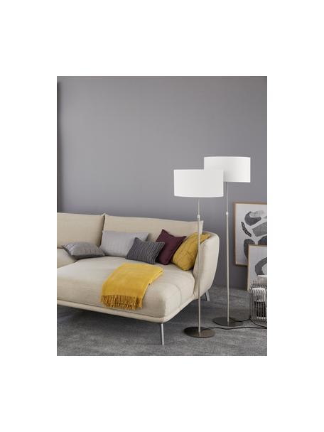 Klassieke vloerlamp Pina in wit, Lampenkap: stof (sits), Lampvoet: metaal, Wit, zilverkleurig, Ø 40 x H 150 cm