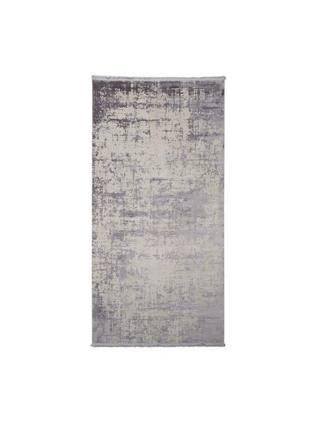 Glanzend vloerkleed Cordoba in grijstinten met franjes, vintage stijl, Bovenzijde: 70% acryl, 30% viscose, Onderzijde: katoen, Grijstinten met lichte lilatint, B 80 x L 150 cm (maat XS)