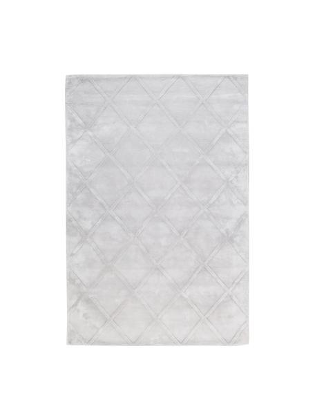 Handgetuft viscose vloerkleed Shiny in zilvergrijs met ruitjesmotief, Bovenzijde: 100% viscose, Onderzijde: 100% katoen, Licht zilvergrijs, B 120 x L 180 cm (maat S)