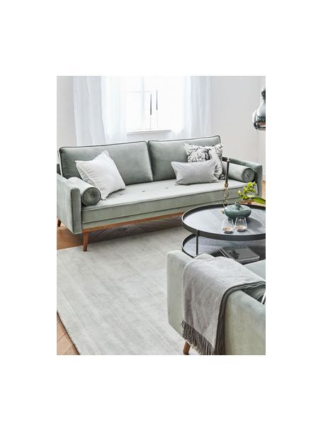 Sofa z aksamitu z nogami z drewna dębowego Saint (2-osobowa), Tapicerka: aksamit (poliester) Dzięk, Aksamitny szałwiowy zielony, S 169 x G 87 cm