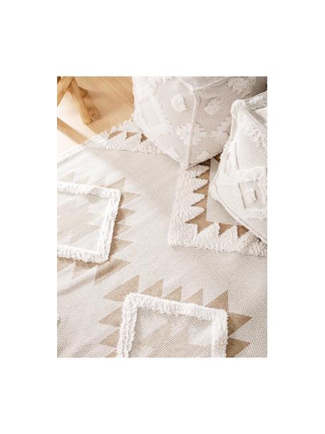 Wasbare katoenen vloerkleed Oslo Aztec met hoog-laag structuur en franjes, 100% katoen, Crèmewit, taupe, B 75 x L 150 cm (maat XS)