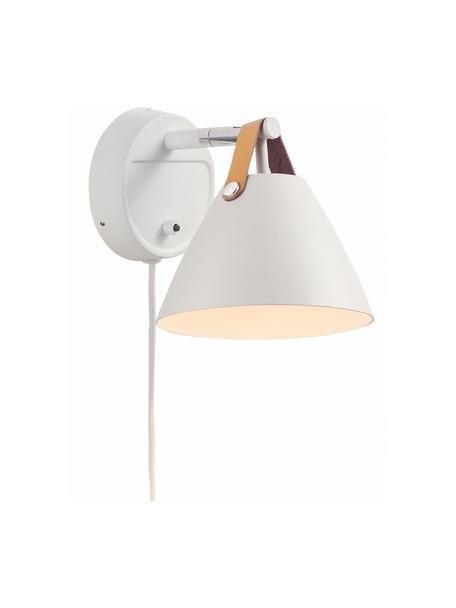 Wandlamp Strap met verwisselbare leren band en stekker, Lampenkap: gepoedercoat metaal, Decoratie: runderleer, Frame: chroom, Lampenkap en wandbevestiging: wit. Leren band: zandkleurig of zwart, 17 x 17 cm