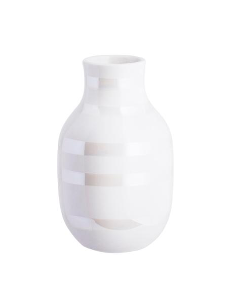 Kleine handgefertigte Design-Vase Omaggio, Keramik, Weiß, Perlmuttfarben, Ø 8 x H 13 cm