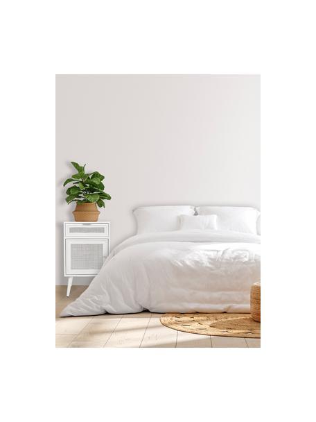 Szafka nocna z drewna Cayetana Fichy, Korpus: płyta pilśniowa średniej , Nogi: drewno bambusowe, lakiero, Biały, S 42 x W 71 cm