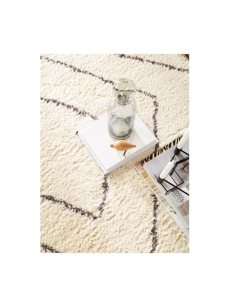 Hoogpolig vloerkleed Benno met ruitjesmotief, 100% polyester, Crèmekleurig, donkergrijs, B 80 x L 150 cm (maat XS)