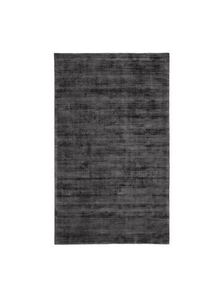 Handgeweven viscose vloerkleed Jane in antraciet-zwart, Bovenzijde: 100% viscose, Onderzijde: 100% katoen, Antraciet-zwart, B 90 x L 150 cm (maat XS)