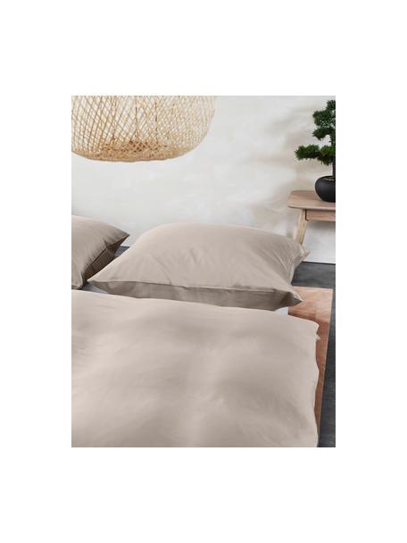 Bambus-Bettwäsche Skye in Taupe, 55% Bambus, 45% Baumwolle  Fadendichte 400 TC, Premium Qualität  Bambus ist hypoallergen und antibakteriell. Daher eignet das Material sich hervorragend für empfindliche Haut. Es ist amungsaktiv und absorbiert Feuchtigkeit, um so die Körpertemperatur im Schlaf zu regulieren., Beige, 135 x 200 cm + 1 Kissen 80 x 80 cm
