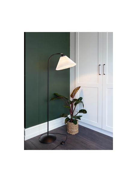 Kleine vloerlamp Medina met plissé lampenkap, Lampenkap: kunststof, Lampvoet: gecoat metaal, Wit, Zwart, Ø 32 x H 132 cm